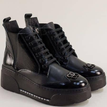 Черни дамски боти лак и кожа на платформа m508lch