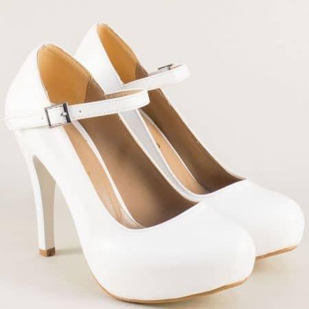 Бели дамски обувки с коланче и ктарама на висок ток n520b