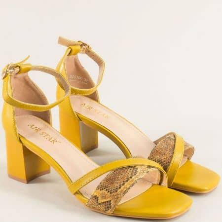 Жълти дамски сандали със затворена пета и змийски принт- MAT STAR m525100j