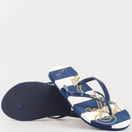 Дамски джапанки с лента между пръстите на комфортно ходило в бял и син цвят m535s