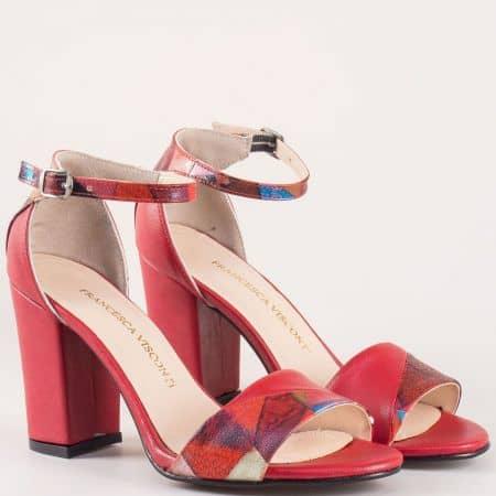 Ярко червени дамски сандали на стабилен висок ток с модерен принт m546chv