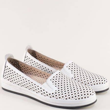 Дамски обувки от естествена кожа в бяло с перфорация m6007b