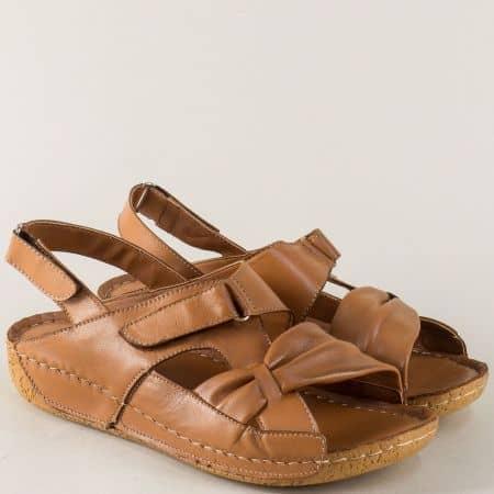 Кожени дамски сандали на платформа с две лепки в кафяво m625k
