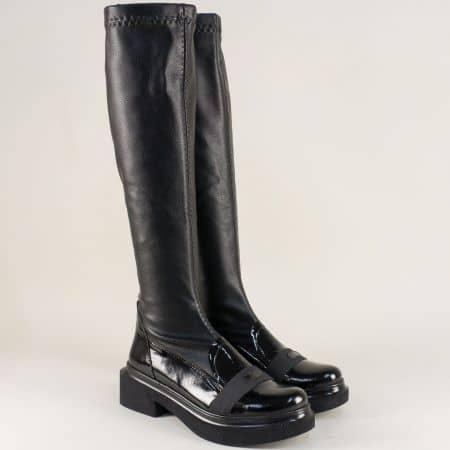 Дамски ботуши от естествен лак и стреч в черен цвят m62lch
