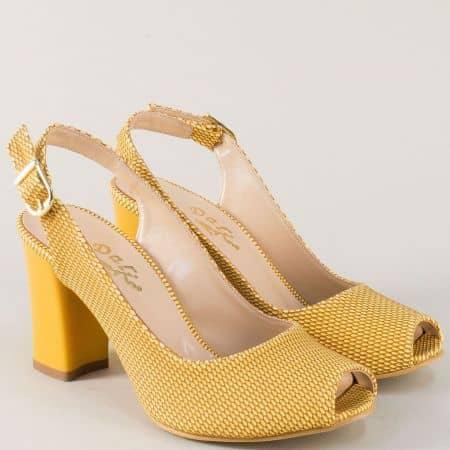 Жълти дамски обувки с отворени пръсти и пета на ток m650j