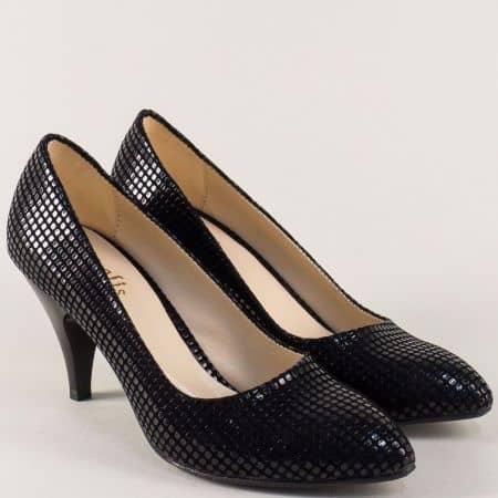 Черни дамски обувки на висок ток със стилен принт m700cht