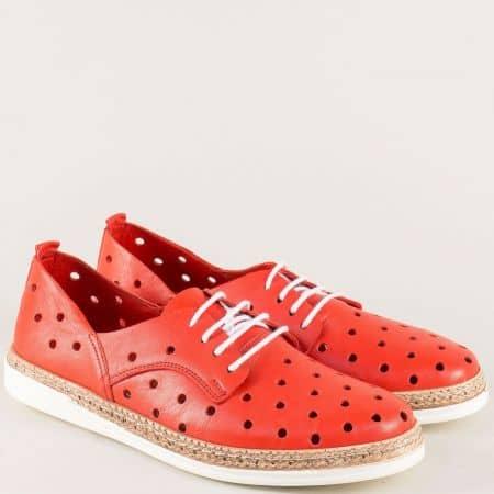 Равни дамски обувки от естествена кожа в червен цвят  m703chv