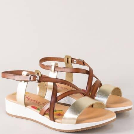 Кожени дамски сандали в кафяв и златист цвят на платформа m721kzl