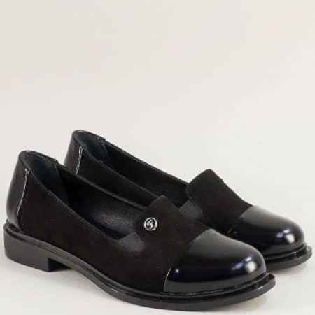 Дамски обувки в черен цвят от естествен лак и велур m8118nchlch