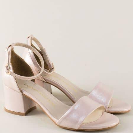 Розови дамски сандали с перлен блясък на среден ток m869rz