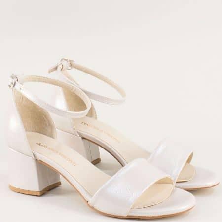 Бежови дамски сандали със затворена пета на среден ток m869sbj