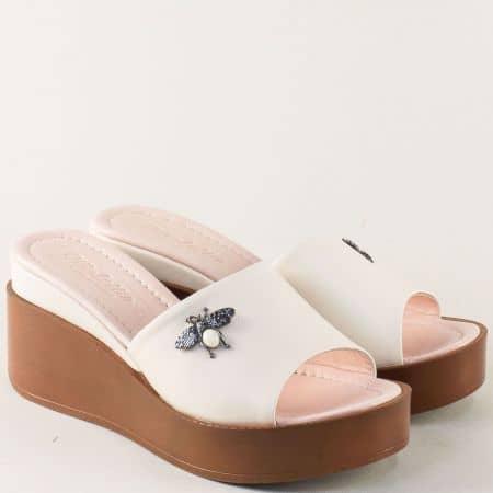 Бежови дамски чехли на платформа от естествена кожа  m904bj