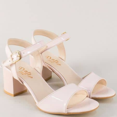 Дамски сандали с катарама и среден ток в розов цвят m9080rz
