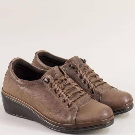 Светло кафяви дамски обувки на клин ходило ma061k