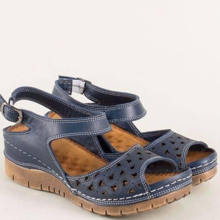 Перфорирани дамски сандали на платформа в син цвят ma102s