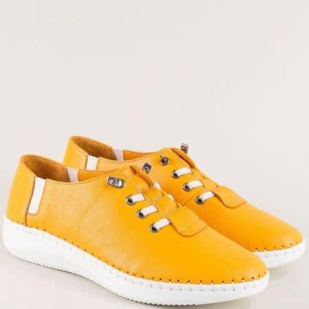 Оранжеви дамски обувки с кожена стелка и ластични връзки ma1401o