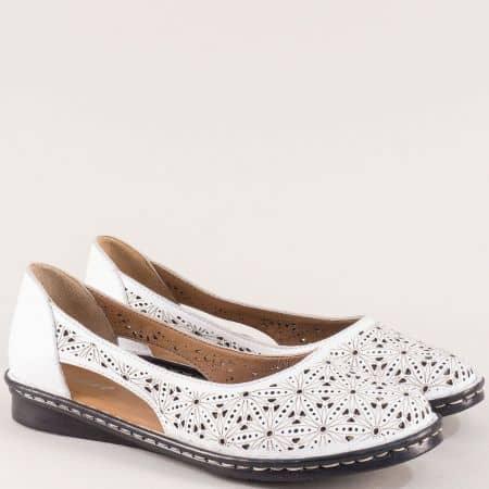 Бели дамски обувки с перфорация от естествена кожа  ma300b