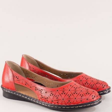 Дамски обувки в червен цвят с лазерна перфорация ma300chv