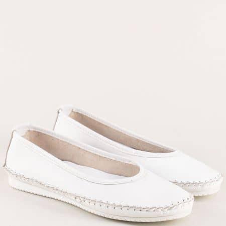 Бели дамски обувки на равно ходило от естествена кожа ma305b