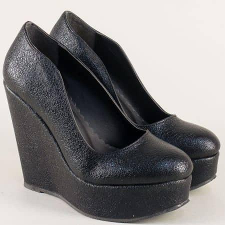 Дамски обувки в черен цвят на платформа  ma45ch