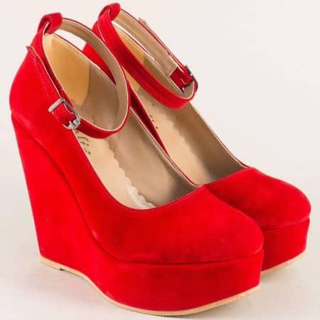 Дамски обувки на платформа в червен цвят ma46vchv