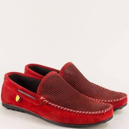 Велурени мъжки мокасини с перфорация в червен цвят ma506vchv