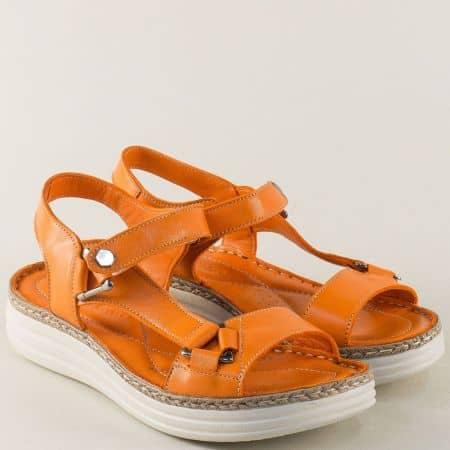 Оранжеви дамски сандали на бяла платформа с лепка ma513o