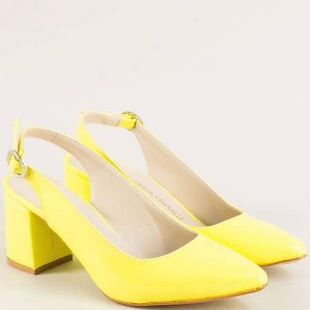Жълти дамски обувки с отворена пета и заострен връх ma698lj