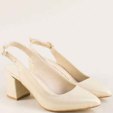 Златисти дамски обувки със заострен връх на висок ток  ma698szl