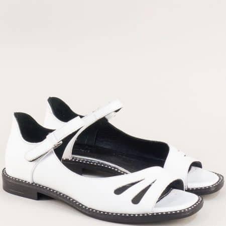 Кожени дамски сандали в бяло със затворена пета ma710b