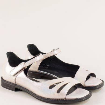 Бронзови дамски сандали със затворена пета и лепка ma710sbrz