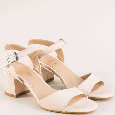 Дамски сандали в бежов цвят на стабилен висок ток  mat101bj