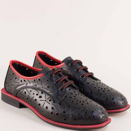 Кожени дамски обувки сперфорация и връзки в черно и червено mat513chchv