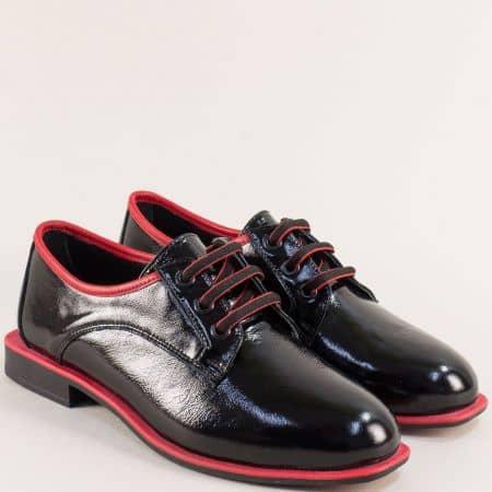 Комфортни дамски обувки от естествен лак в черно и червено mat513lchchv