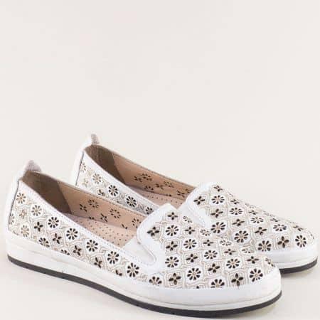 Бели дамски обувки с флорална перфорация и два ластика me6010b