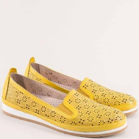 Жълти дамски обувки с флорална перфорация и ластик me6010j