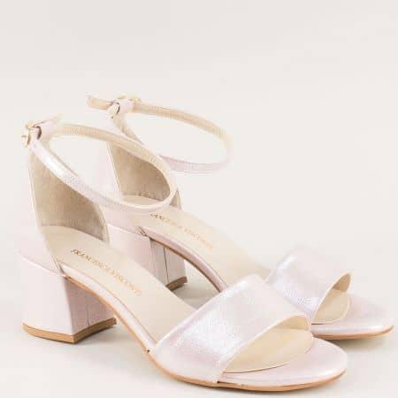 Розови дамски сандали с перлен блясък и затворена пета me869srz