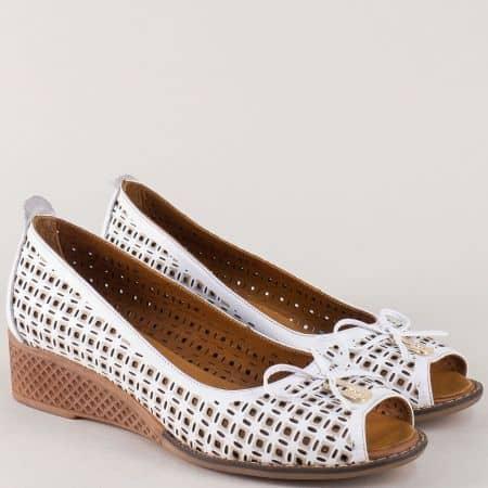 Бели дамски обувки от естествена кожа на клин ходило mm025b