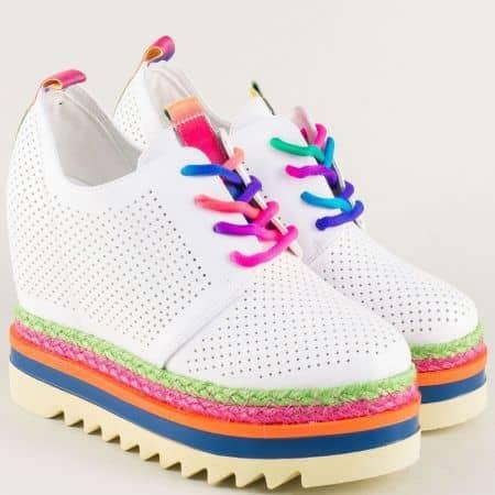 Бели дамски обувки с перфорация на платформа mm170b