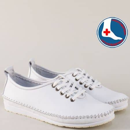 Равни дамски обувки с връзки от бяла естествена кожа mm210b