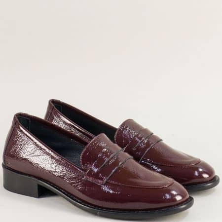Лачени дамски обувки на нисък ток в цвят бордо mm460lbd