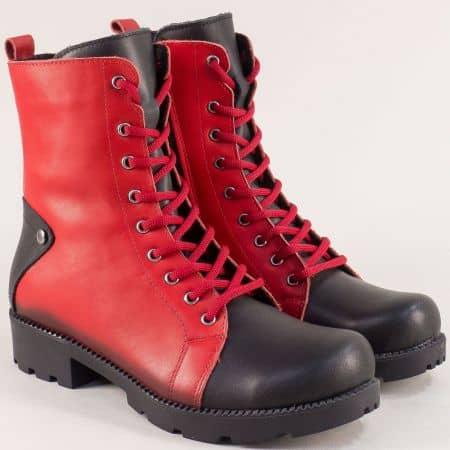 Кожени дамски боти на нисък ток в черно и червено mm601chv1