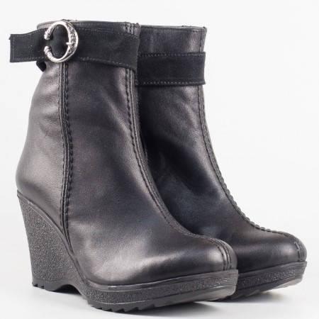 Дамски стилни боти изработени от висококачествена естествена кожа в черен цвят mm60ch