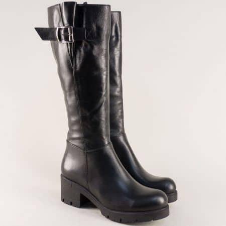 Черни дамски ботуши с цип и катарама на среден ток mm610ch