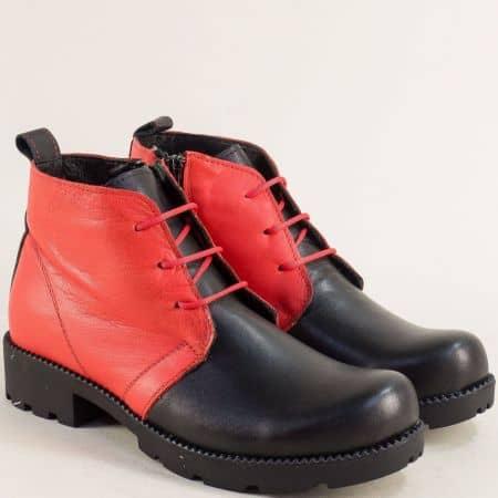 Дамски боти от естествена кожа в комбинация от черен и червен цвят mt50chchv