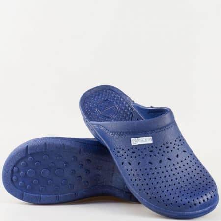 Сини дамски гумени чехли с перфорация и масажираща стелка n012s