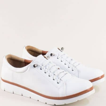 Бели дамски обувки с кожена стелка и ластични връзки n031b