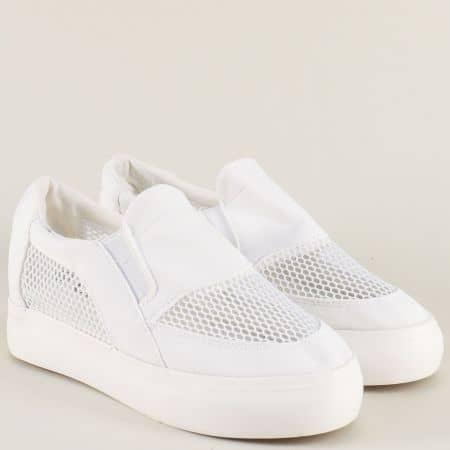 Спортни дамски обувки на комфортно ходило в бял цвят n107b