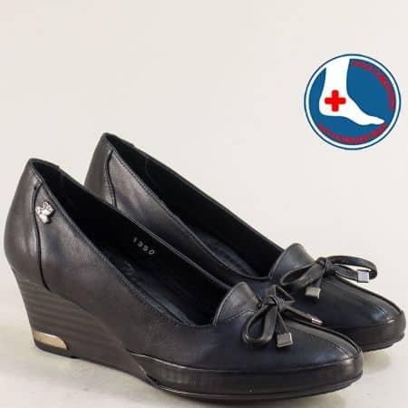 Дамски обувки от естествена кожа в черно на клин ходило n1350ch