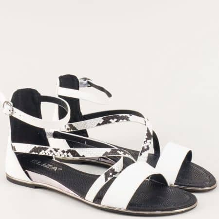 Бели дамски сандали на равно ходило тип римлянки n223b